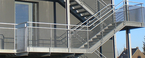 caillebotis lectroforg pour marche d 39 escalier jk technic. Black Bedroom Furniture Sets. Home Design Ideas
